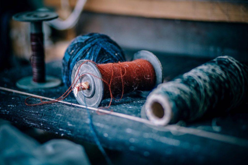 hilos de fabrica de telas