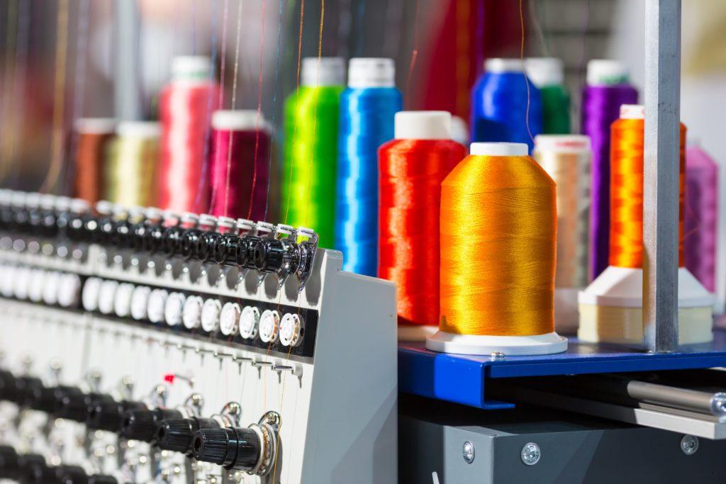 hilos de fábrica confección textil