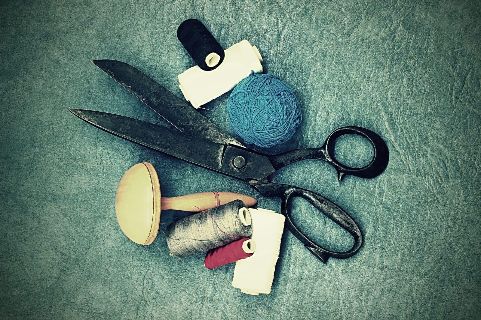 scissors 1008908 1920 Subsectores de la industria textil: la alta costura