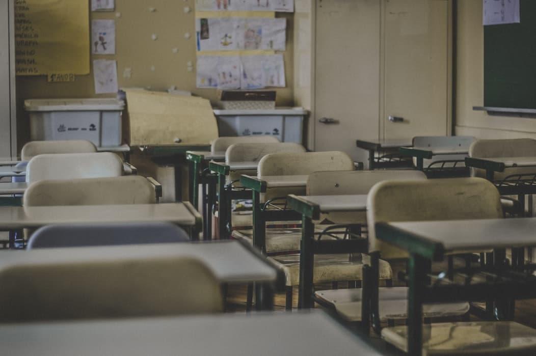 Post 4 Curso escolar 2019. Batas con estampados vichy a cuadros y rayas